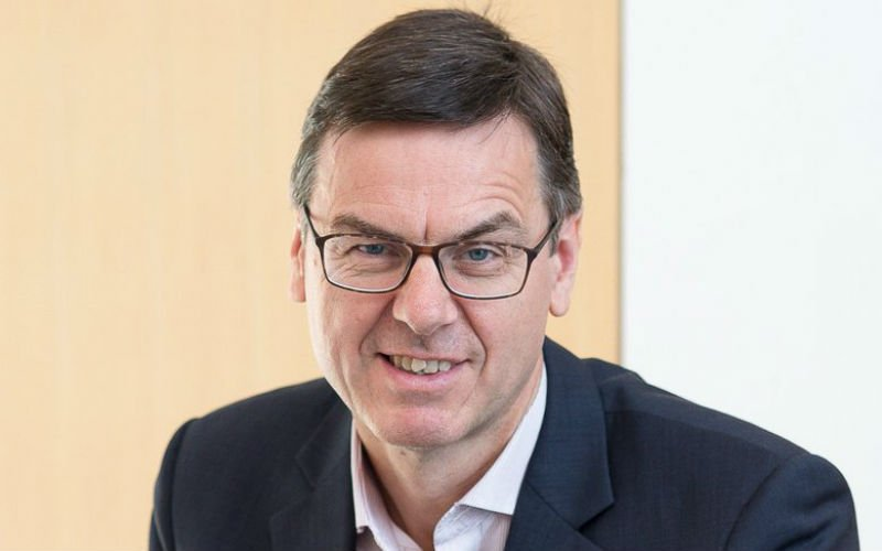 CEO Dr Tim Brears