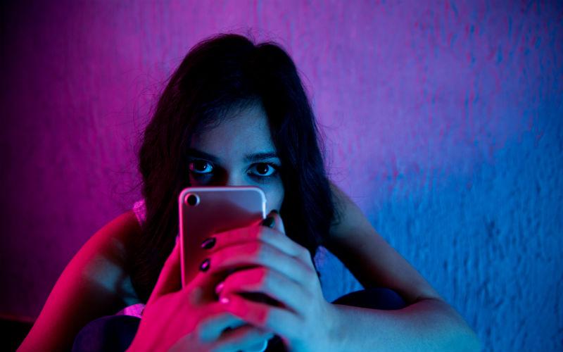 Teenager online