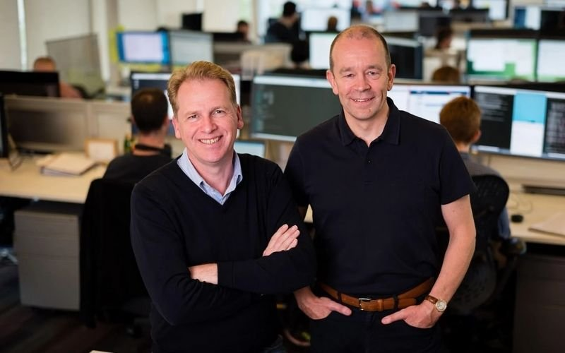 (L-R) Graphcore founders Nigel Toon and Simon Knowles