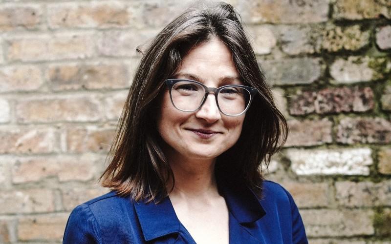 Julia Salasky, Legl