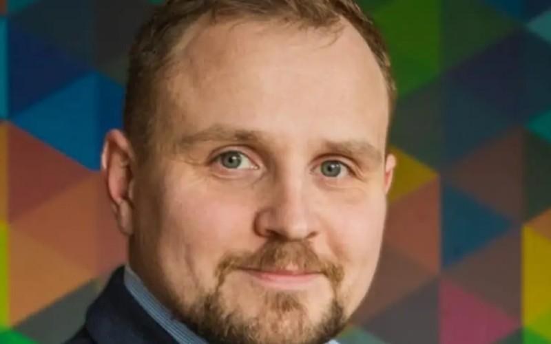 BartoszKielbinski, eStoreMedia