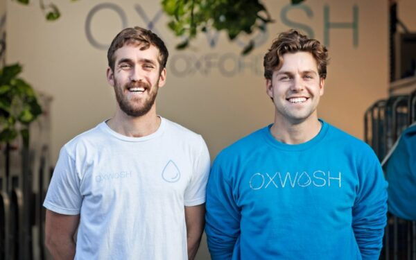 Tom de Wilson, left, and Dr Kyle Grant, Oxwash